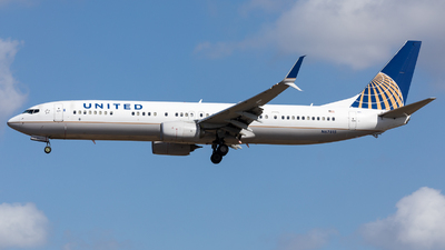 A picture of N67815 - Boeing 737924(ER) - United Airlines - © Sierra Aviation Photography