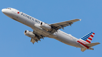 A picture of N539UW - Airbus A321231 - American Airlines - © Martin Pinnau