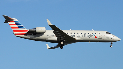 N424AW - Bombardier CRJ-200LR - American Eagle (Air Wisconsin)