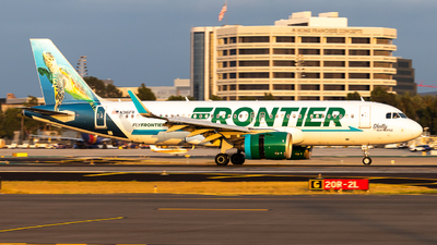 A picture of N316FR - Airbus A320251N - Frontier Airlines - © Grant Gladych