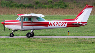 N67527 - Cessna 152 - Private