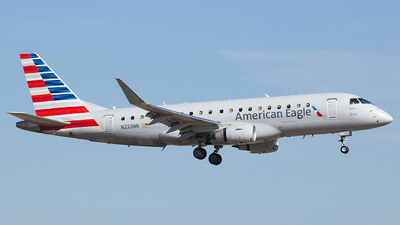 A picture of N223NN - Embraer E175LR - American Airlines - © Orlando Suarez