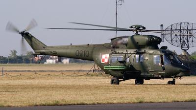 0910 - Mil Mi-8T Hip - Poland - Army