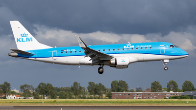 A picture of PHEXL - Embraer E175STD - KLM - © Matteo Lamberts