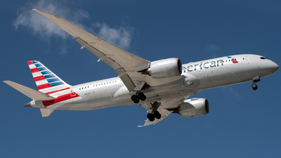 A picture of N812AA - Boeing 7878 Dreamliner - American Airlines - © JTPAviation