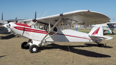 VH-HFT - Piper PA-18 Super Cub - Private