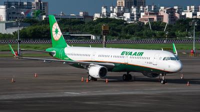 A picture of B16208 - Airbus A321211 - EVA Air - © KenNgan