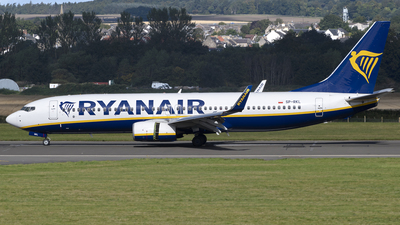A picture of SPRKL - Boeing 7378AS - Ryanair - © Ian McGregor