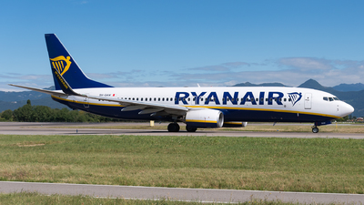 A picture of 9HQAW - Boeing 7378AS - Ryanair - © Julian Mittnacht