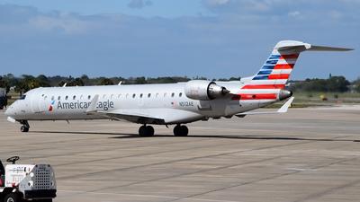 A picture of N512AE - Mitsubishi CRJ701ER - American Airlines - © Doug Marsh