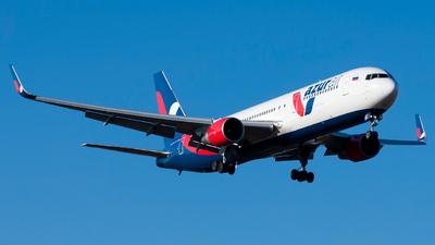 A picture of VQBEN - Boeing 76733A(ER) - Azur Air - © Sergey Svechnikov