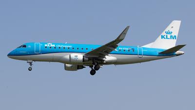 A picture of PHEXM - Embraer E175STD - KLM - © Pierre Pm