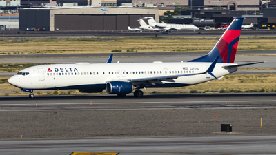A picture of N817DN - Boeing 737932(ER) - Delta Air Lines - © David Lee