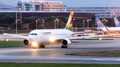 A picture of ZWPF - Boeing 7672N0(ER) - Air Zimbabwe - © Zhou Qiming