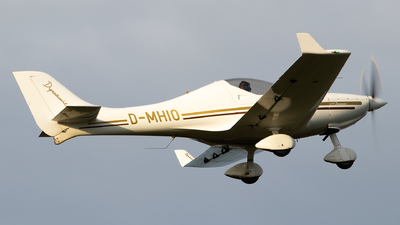 A picture of DMHIO - Aerospool WT9 Dynamic - [DY303/2009] - © Julian S.