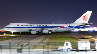 A picture of B2409 - Boeing 747412F(SCD) - Air China Cargo - © Sweet Potato