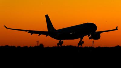 PH-AOH - Airbus A330-203 - KLM Royal Dutch Airlines