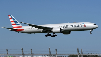 A picture of N723AN - Boeing 777323(ER) - American Airlines - © Akihiko Takahashi