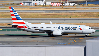 A picture of N947AN - Boeing 737823 - American Airlines - © Rocky Wang