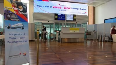 LIPZ - Airport - Terminal