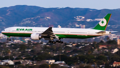 A picture of B16723 - Boeing 77736N(ER) - EVA Air - © Brandon Giacomin