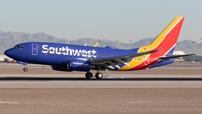 A picture of N752SW - Boeing 7377H4 - Southwest Airlines - © Felipe García