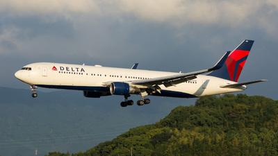 N199DN - Boeing 767-332(ER) - Delta Air Lines