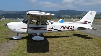 ZK-KAL - Cessna 172S Skyhawk SP - Kapiti Districts Aero Club