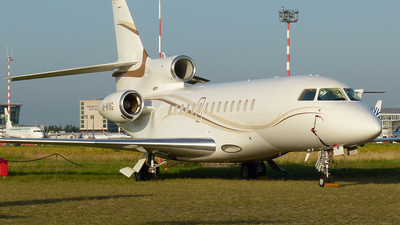 M-WING - Dassault Falcon 7X - Gama Aviation