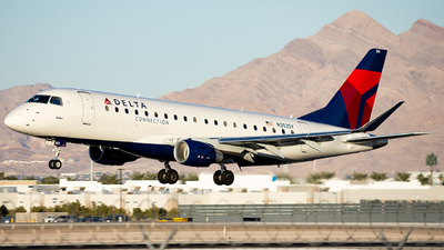 N303SY - Embraer 170-200LL - Delta Connection (SkyWest Airlines)