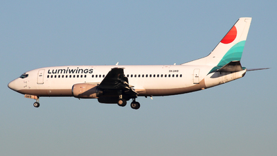 SX-LWB - Boeing 737-36N - Lumiwings