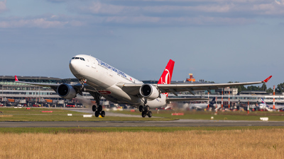 A picture of TCJNE - Airbus A330203 - Turkish Airlines - © vwmatze