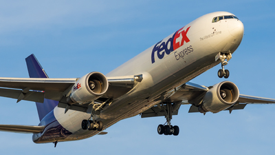 A picture of N135FE - Boeing 7673S2F(ER) - FedEx - © Haocheng Fang