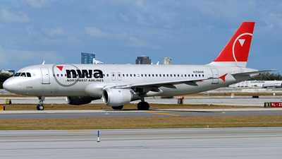 N356NW - Airbus A320-212 - Northwest Airlines