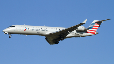 A picture of N510AE - Mitsubishi CRJ701ER - American Airlines - © Connor Cummings
