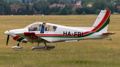 HA-FBL - Zlin 143LSi - Private