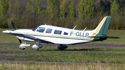 F-GLLR - Piper PA-32-300 Cherokee Six - Private