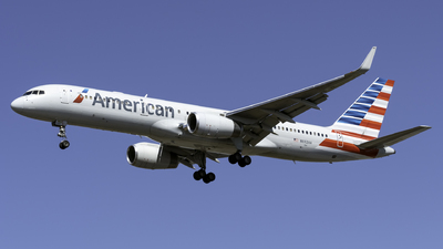 A picture of N692AA - Boeing 757223 - [26972] - © Kerrigan_Aviation_NJ