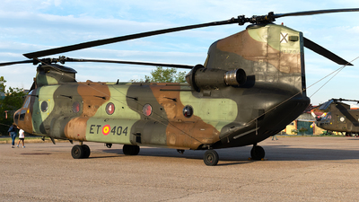 HT.17-04 - Boeing CH-47D Chinook - Spain - Army