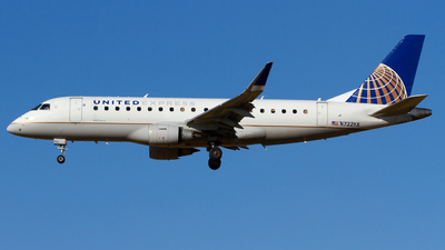 A picture of N722YX - Embraer E175LR - United Airlines - © Conor Clancy