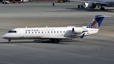 A picture of N967SW - Mitsubishi CRJ200LR - United Airlines - © Jordan Louie