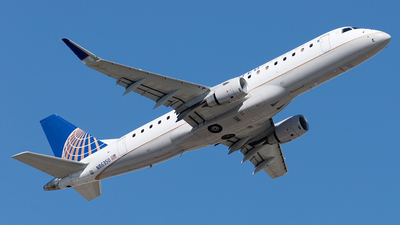 A picture of N86350 - Embraer E175LR - United Airlines - © Yixin Chen