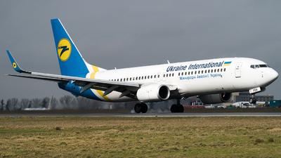A picture of URPSW - Boeing 7378KV - Ukraine Int. Airlines - © Olivier Landes