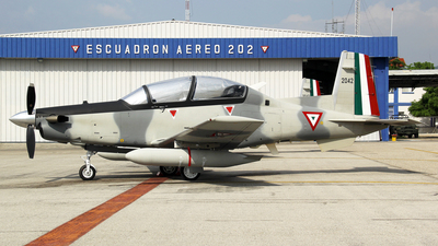 2042 - Beechcraft AT-6C - Mexico - Air Force