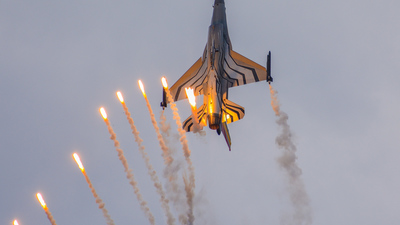 FA-123 - General Dynamics F-16AM Fighting Falcon - Belgium - Air Force