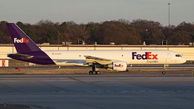 A picture of N793FD - Boeing 757222(SF) - FedEx - © JK zhong