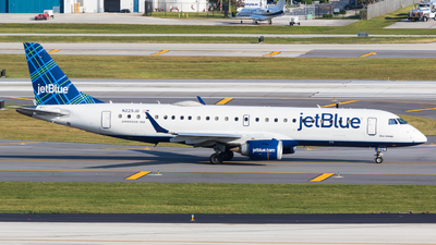 A picture of N229JB - Embraer E190AR - JetBlue Airways - © Martin Rogosz