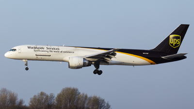 A picture of N431UP - Boeing 75724APF - UPS Airlines - © SlowhanD