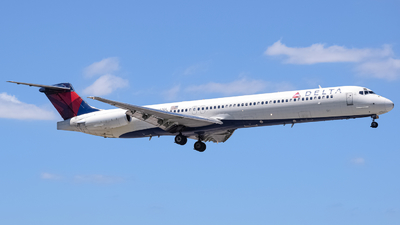 N987DL - McDonnell Douglas MD-88 - Delta Air Lines