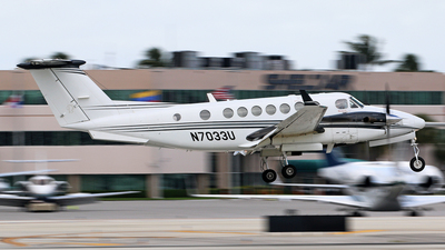 N7033U - Beechcraft B300C King Air 350C - Private